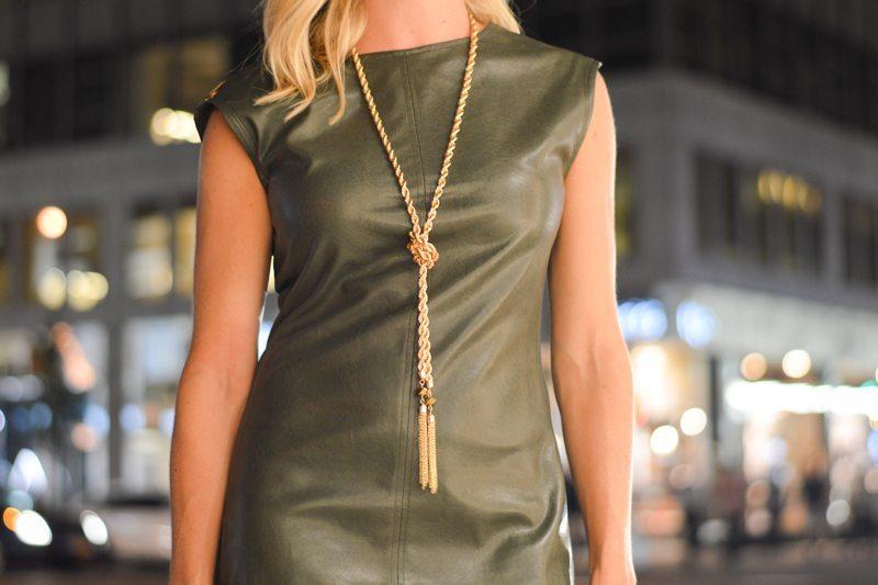 gold chain tassel necklacke