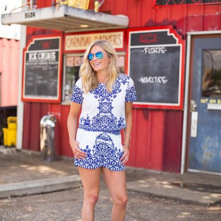 Blue White Short Sleeve Floral Crop Top With Shorts-dallas fashion blogger-july 4th outfit