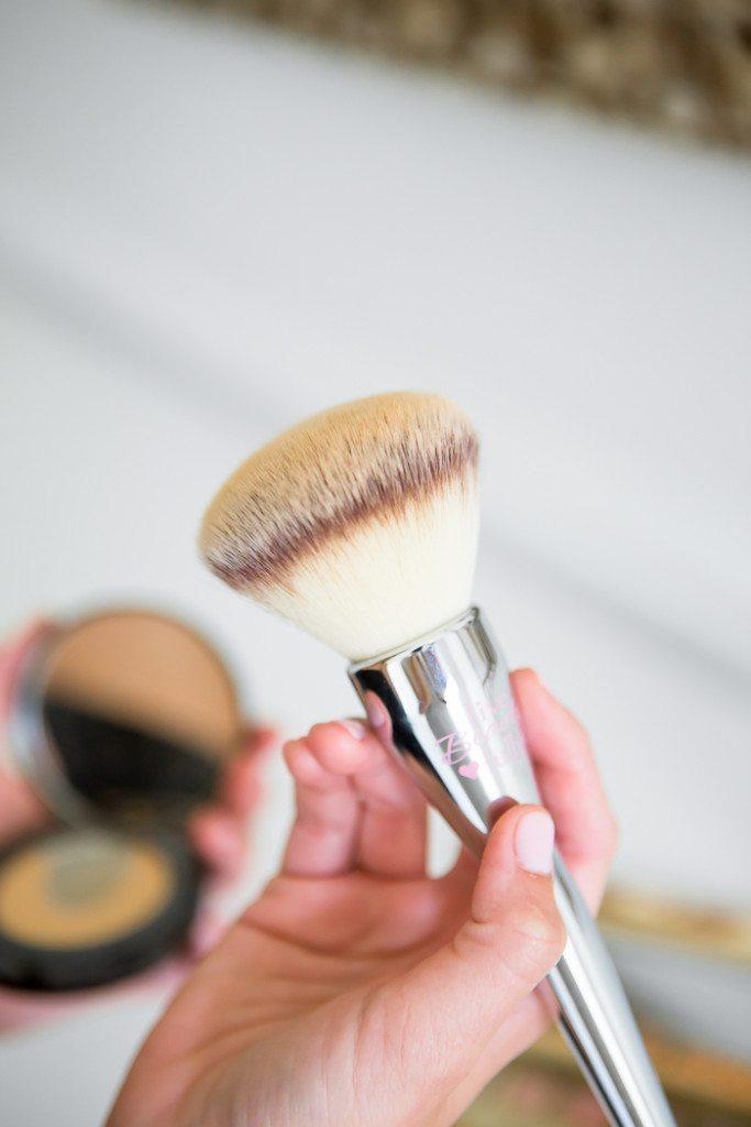 large powder brush-makeup brush-it cosmetics