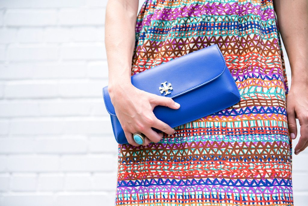 bright blue clutch-tory burch clutch-summer accessories
