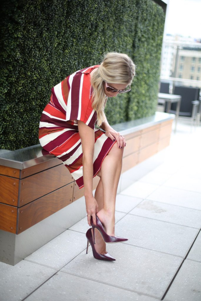 asos stripe pencil dress-burgundy pumps-fall wedding outfit-fashion blogger dallas-burgundy stripe dress