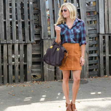 suede mini skirt trend-suede mini skirt outfit with blue plaid shirt-burgundy purse for fall-dallas fashion blog