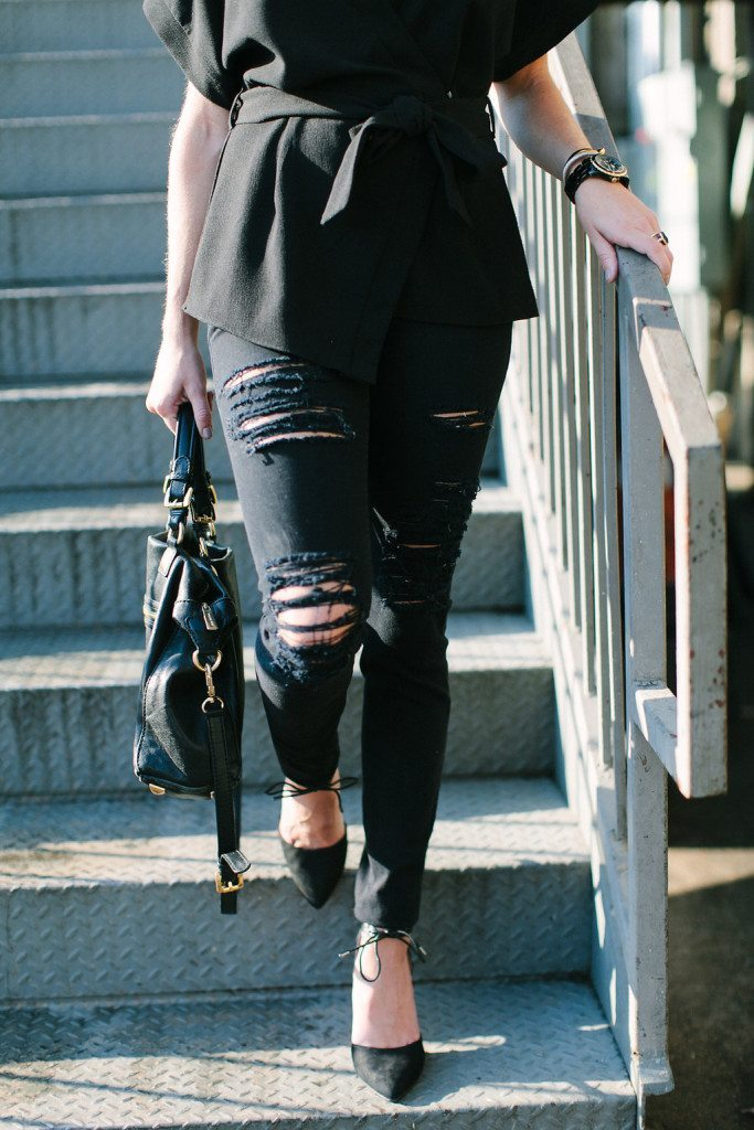 black distressed skinny jeans-black pointed toe pumps