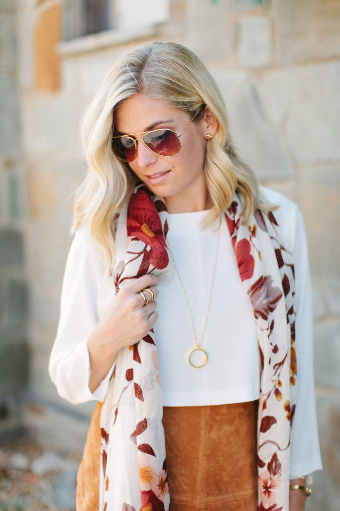 fall printed scarf with gold necklace