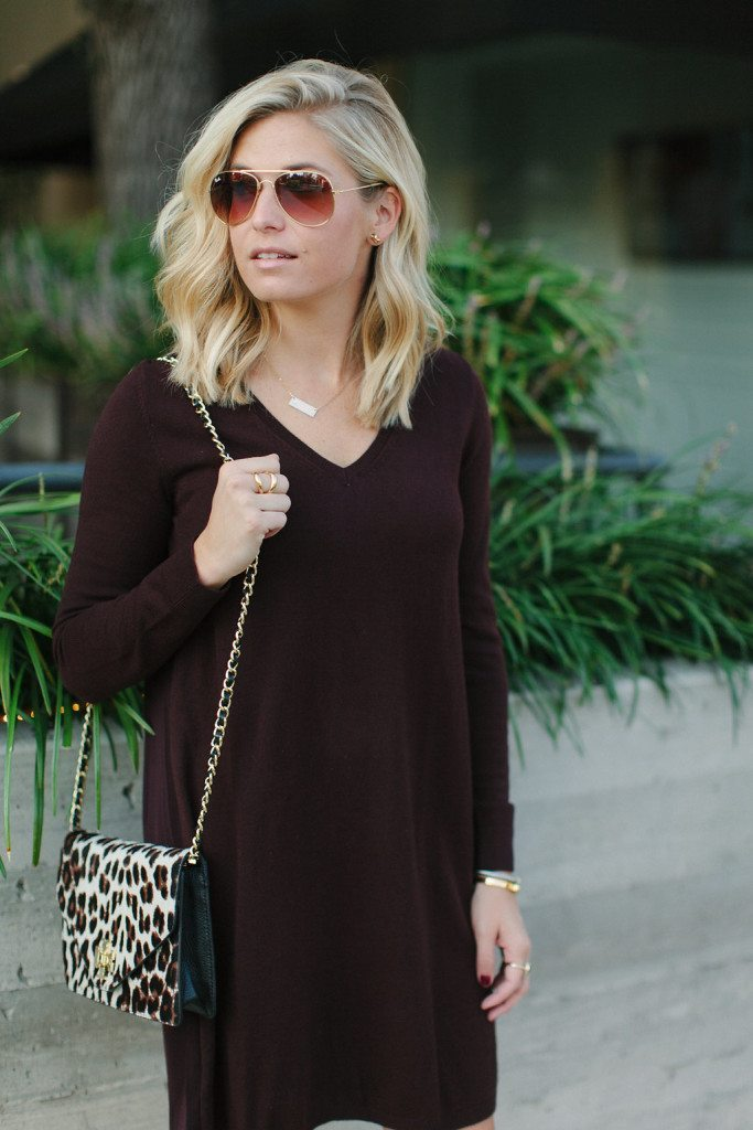 burgundy v neck sweater dress loft-leopard crossbody-dallas fashion bloggers