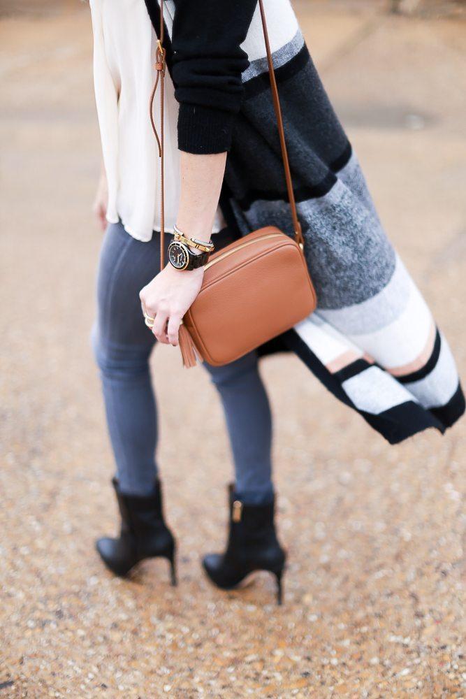 Gigi New York tan crossbody purse