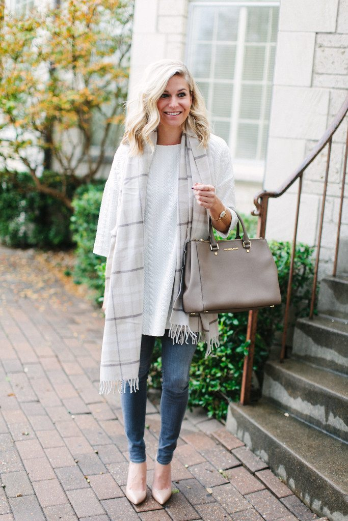 white tunic sweater-winter white outfit-fashion blogger dallas