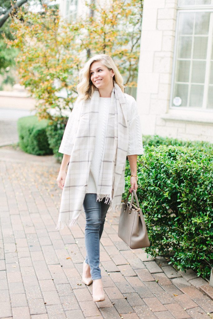 white quilted tunic by cooper and ella-grey skinny jeans-neutral pumps-off white plaid scarf-dallas fashion blogger