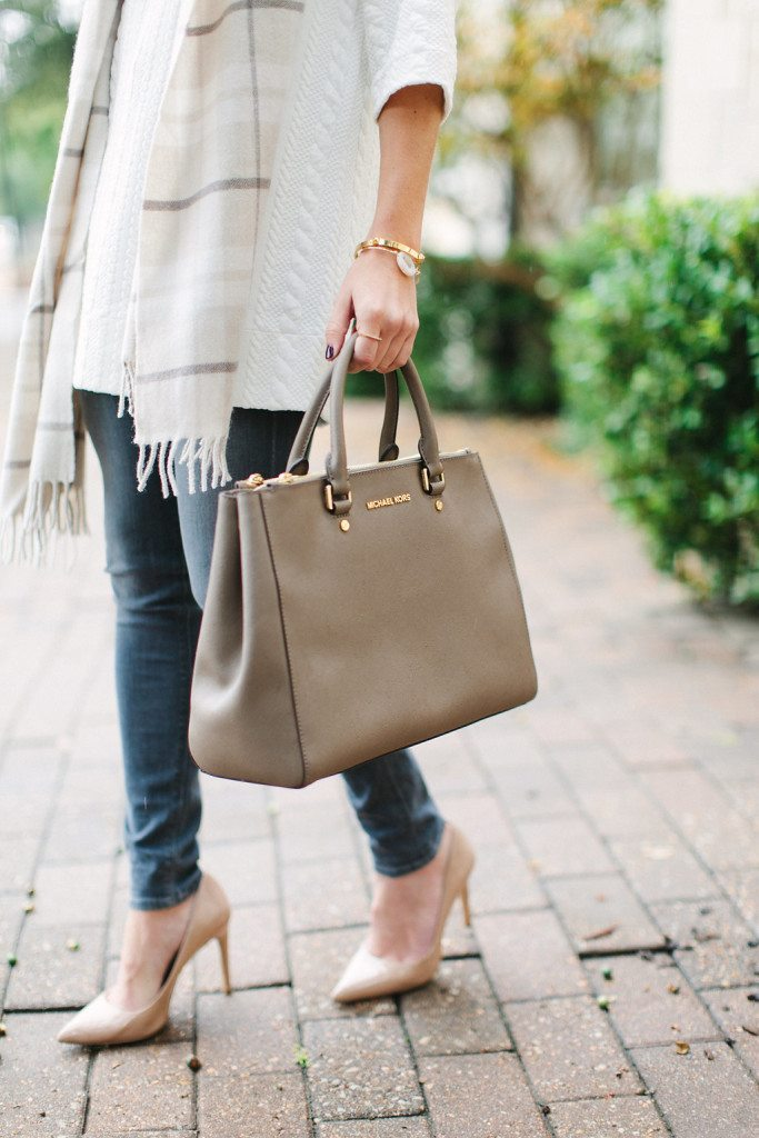 grey skinny jeans-nude pointed toe pumps-michael kors taupe satchel