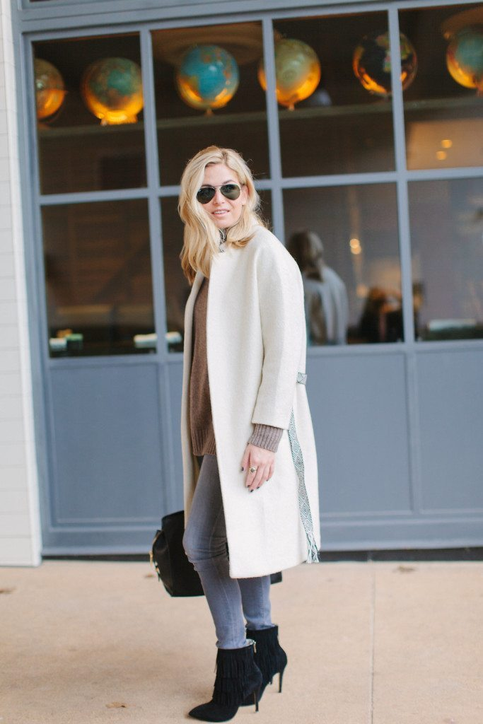 off white coat with belt-winter white coat-cold weather outfit inspiration-dallas fashion bloggers