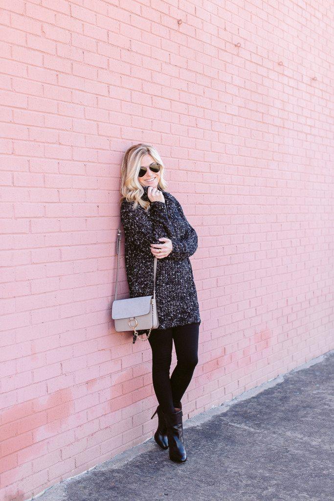 black oversized sweater-all black winter outfit idea-dallas fashion bloggers