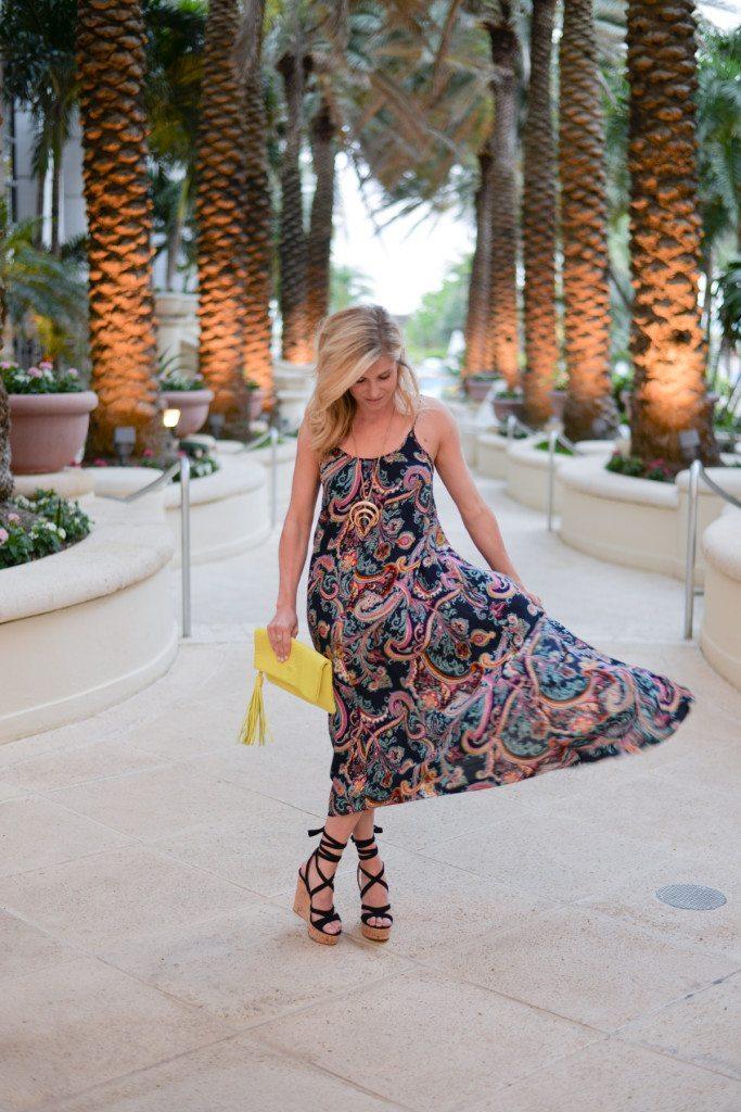 paisley maxi dress-beach maxi dress-dallas fashion blogger-beach vacation outfit idea