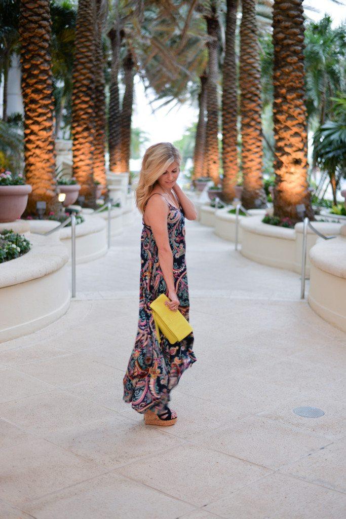 black paisley maxi dress-gigi new york clutch-fashion blogger dallas-beach vacation maxi dress outfit