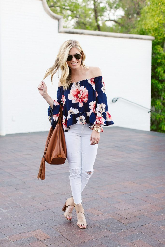 blue floral off the shoulder top-causal beach outfit-white ripped skinny jeans-dallas fashion blogger