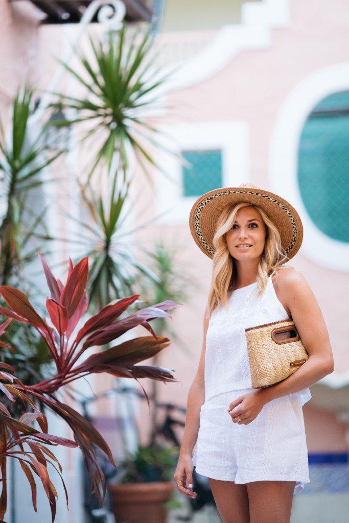 havana nights - espanola way - miami beach - travel blogger - beach outfit idea - white outfit idea - summer shorts outfit