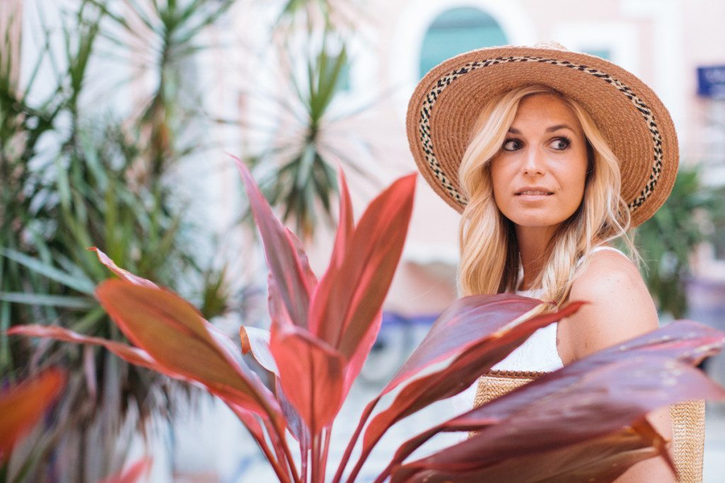 miami beach vacation - dallas travel blogger - travel style guide - straw hat - beach outfit idea