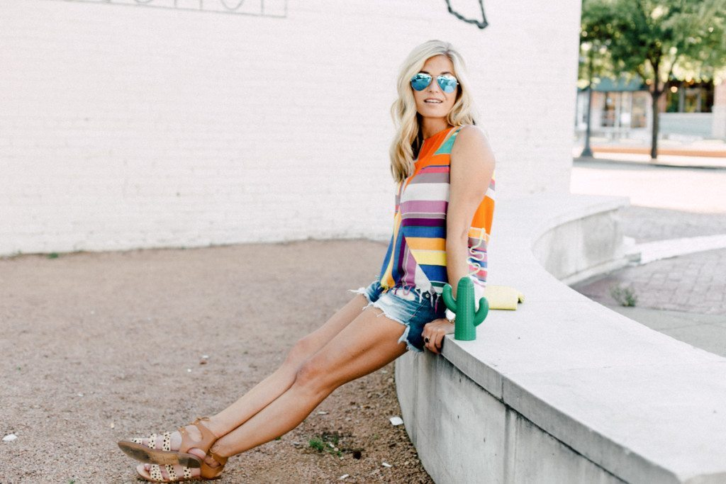 dallas fashion blogger - summer outfit idea - rag and bone shorts - plenty by tracy reese top