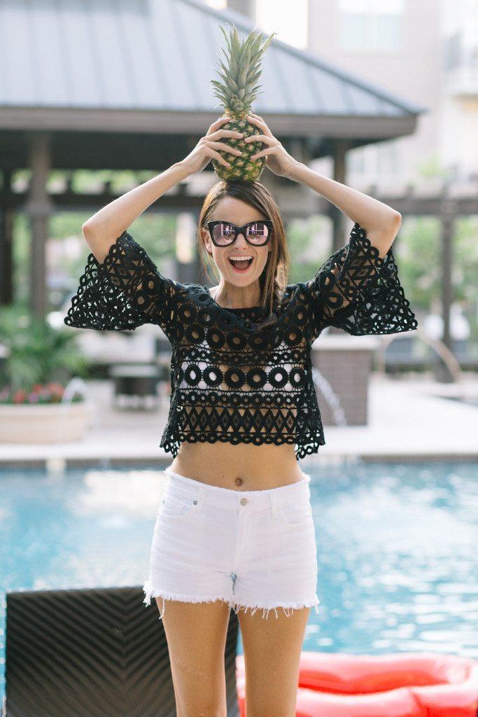 white shorts - summer photoshoot - black top - mirror sunglasses