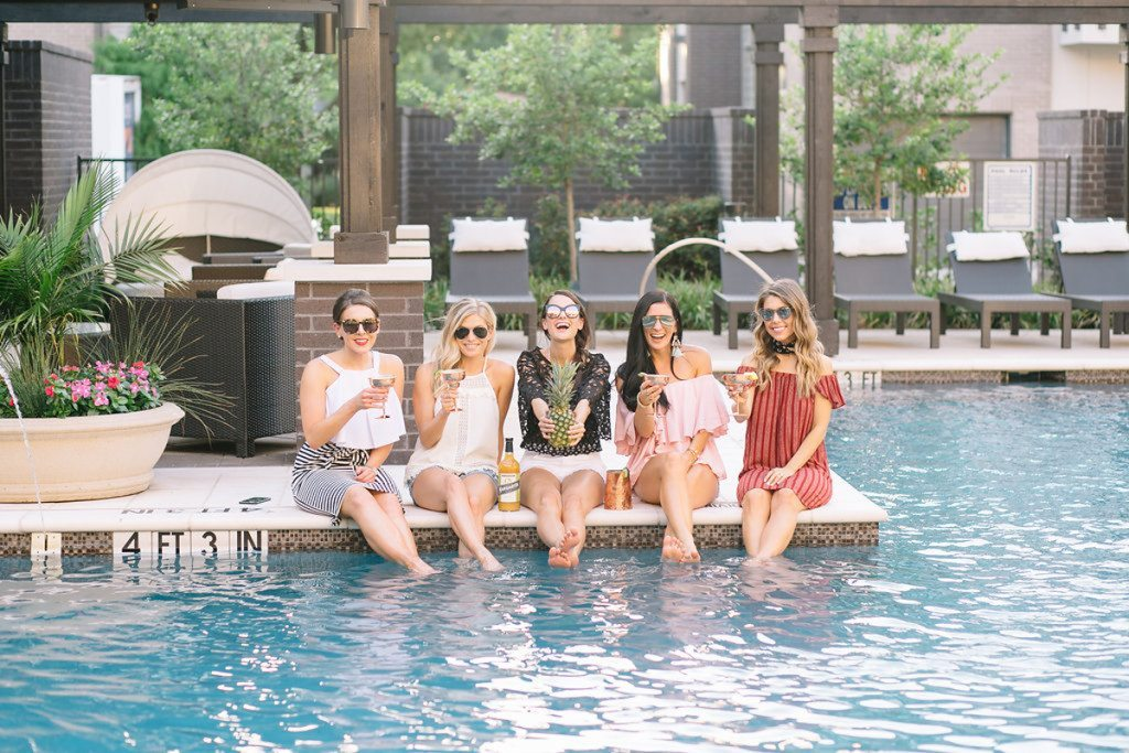 pool outfit ideas - summer day outfit - squad goals - summer outfit