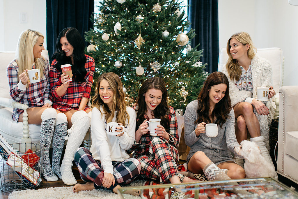 Christmas Party Ideas For Girls Part - 15: Christmas Pajama Party