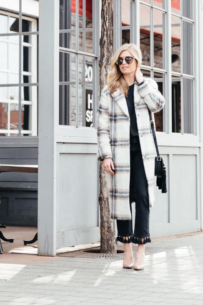 plaid coats winter 2017 - winter coat trends - fringe jeans - dallas fashion blogger