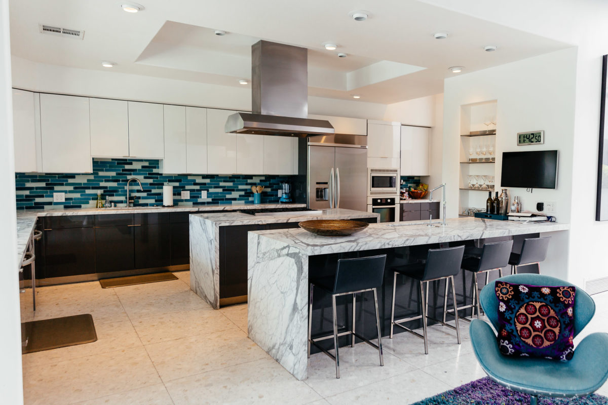 HomeAway Palm Springs house kitchen