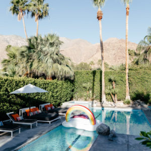 TRAVEL TUESDAY // HOMEAWAY IN PALM SPRIN...
