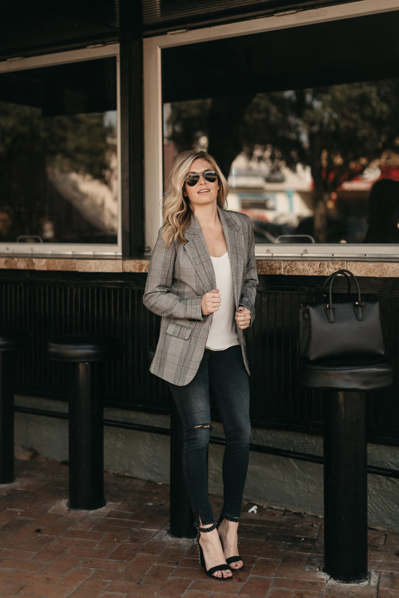 blazer, trendy fall items, fashion blogger
