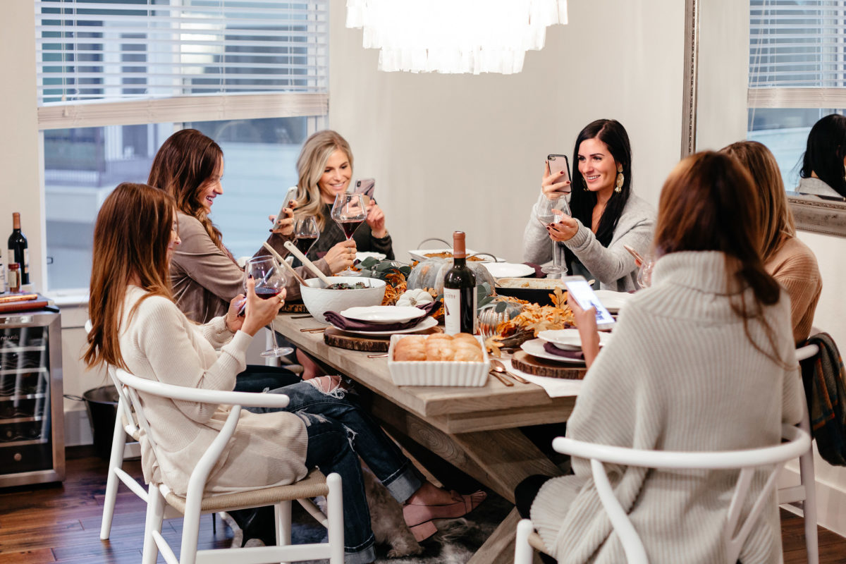 style blogger, dallas, friendsgiving tradition