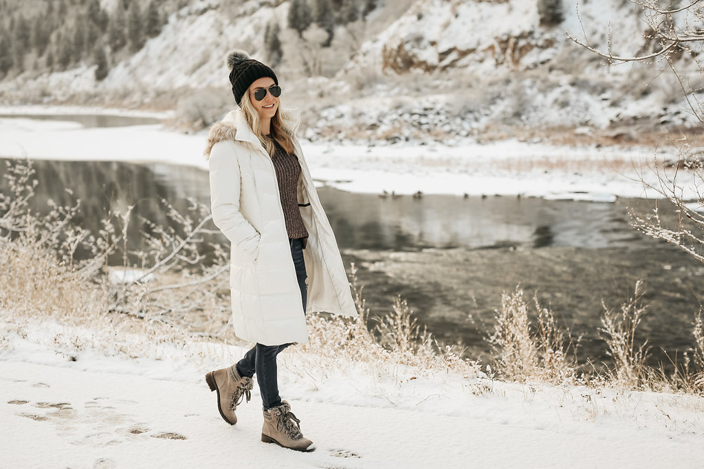 style blogger, winter weather essentials, snow boots