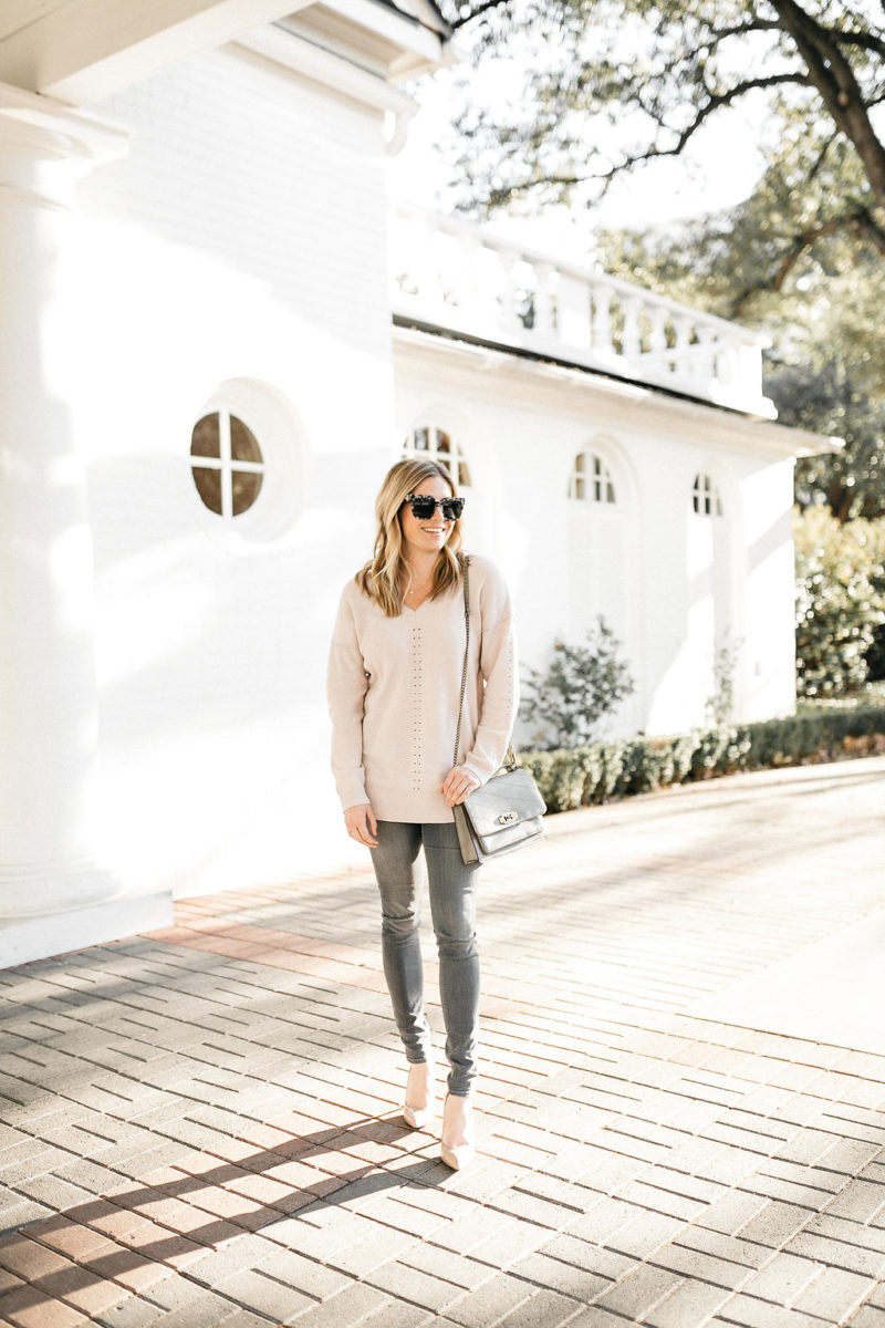 skinny jeans, neutrals, nude pumps, accessories for valentines day