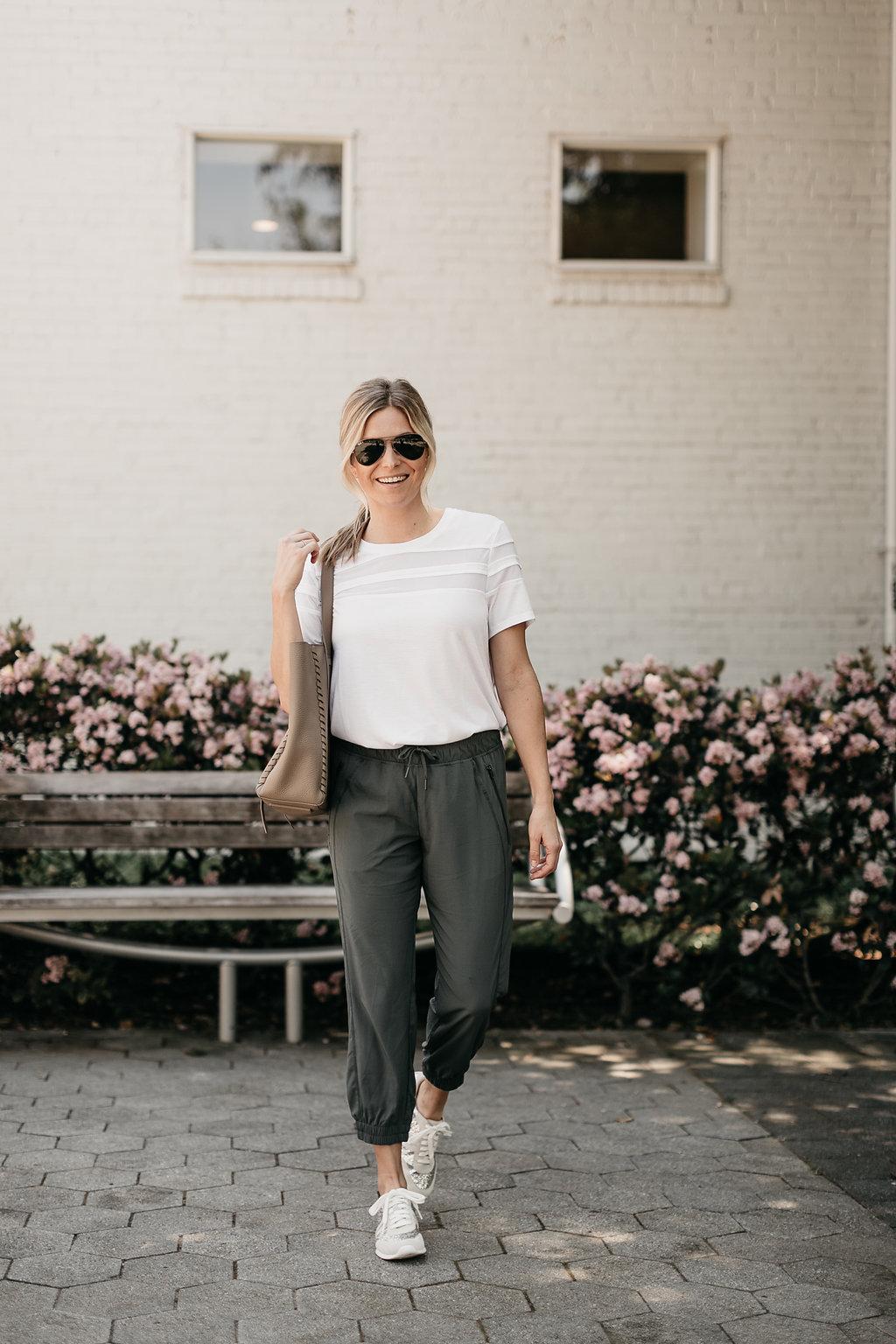 Dallas Fashion Blogger wearing trendy athleisure wear