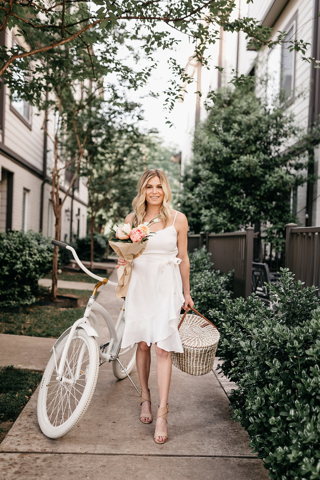 SUMMER DATE NIGHT IDEAS IN DALLAS - One Small Blonde