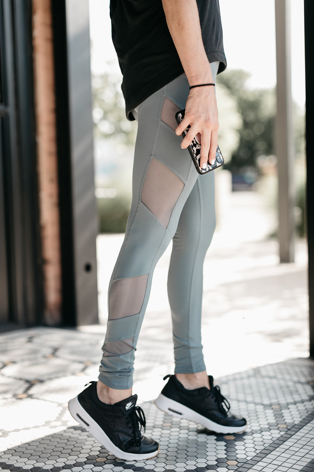 Block High Waist Mesh Inset Leggings ALO / Madison Tank ZELLA