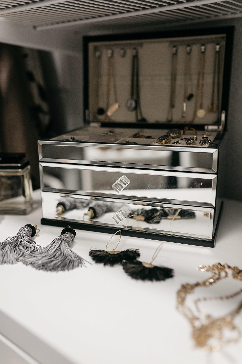 accessory box and accessories