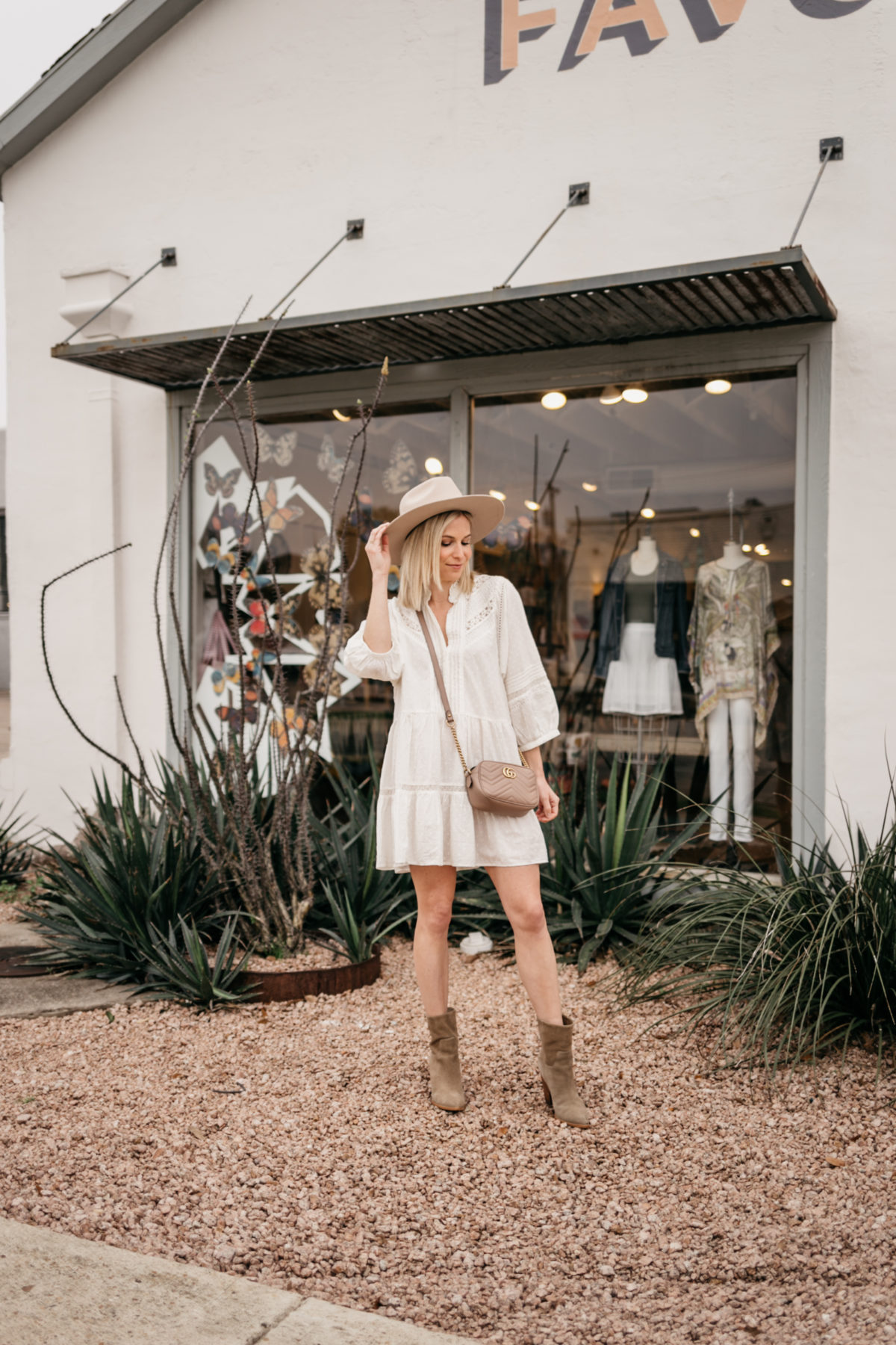 SPRING WHITE OUTFITS