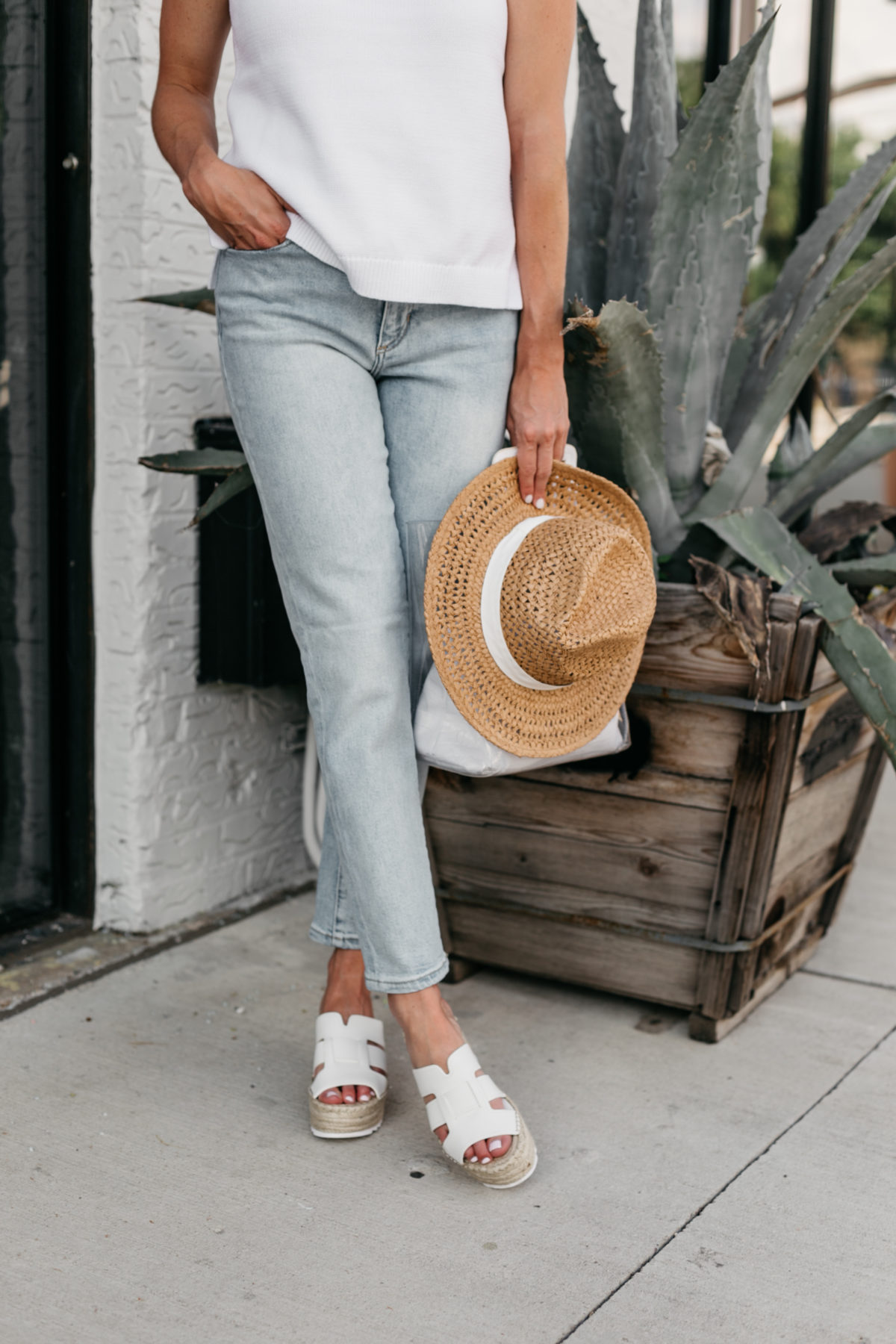 summer vacation outfits - the perfect hat summer look