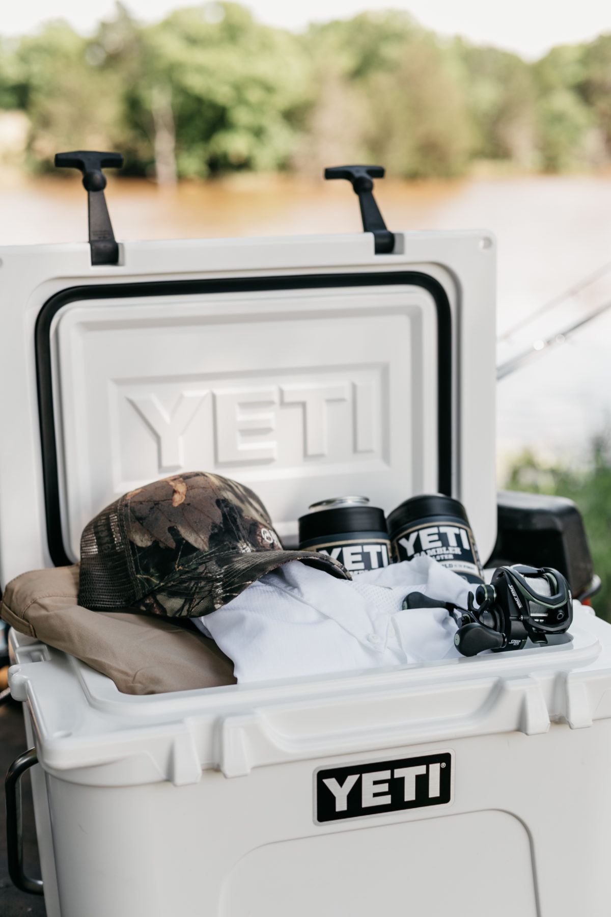 Yeti cooler and can holders