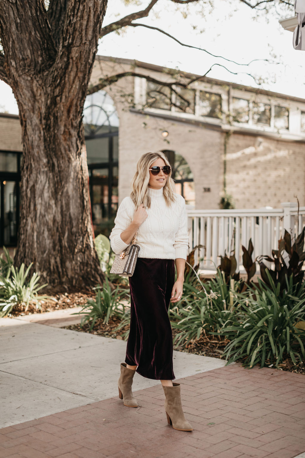 how to wear velvet midi skirt