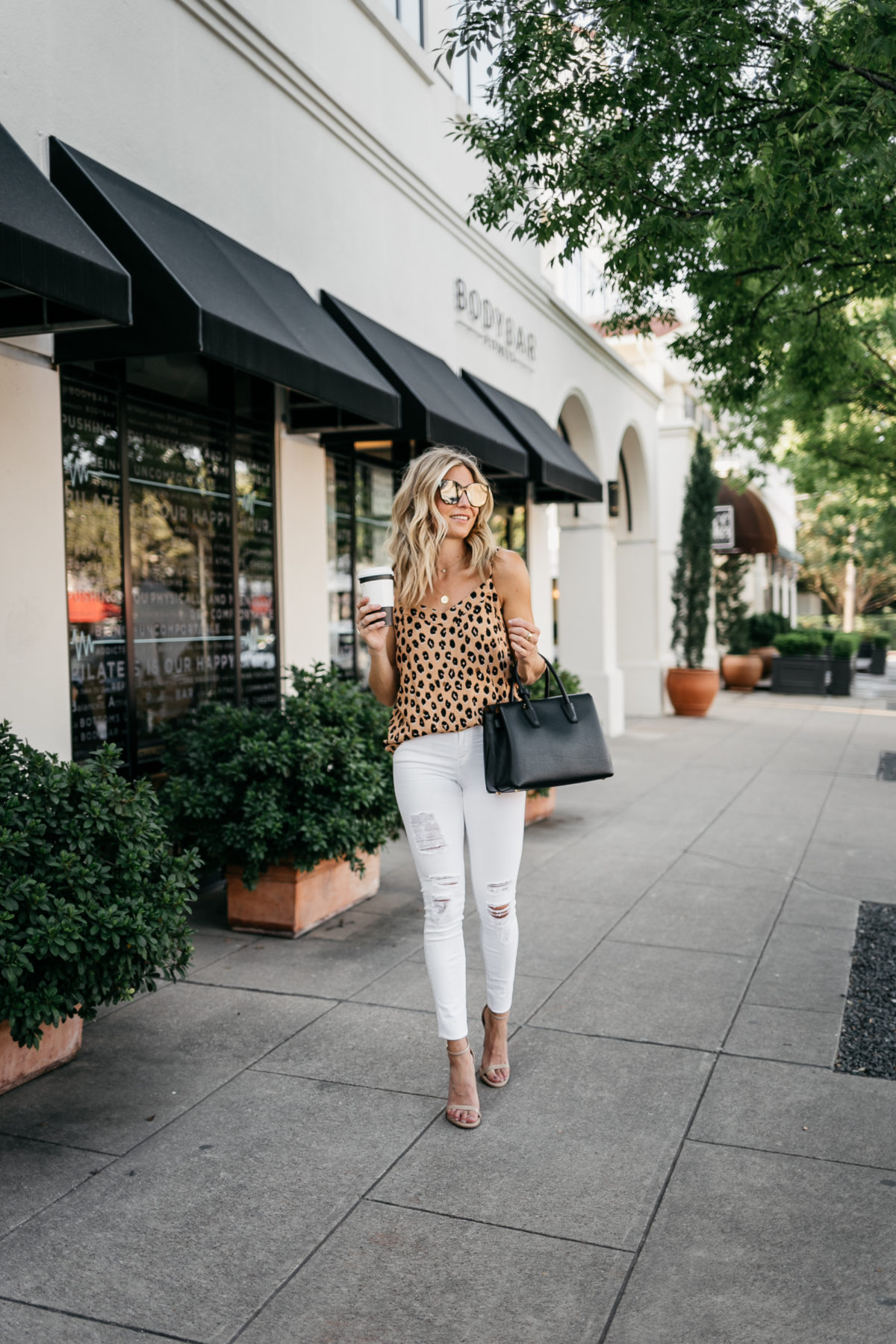 how to wear leopard as seen here on this woman