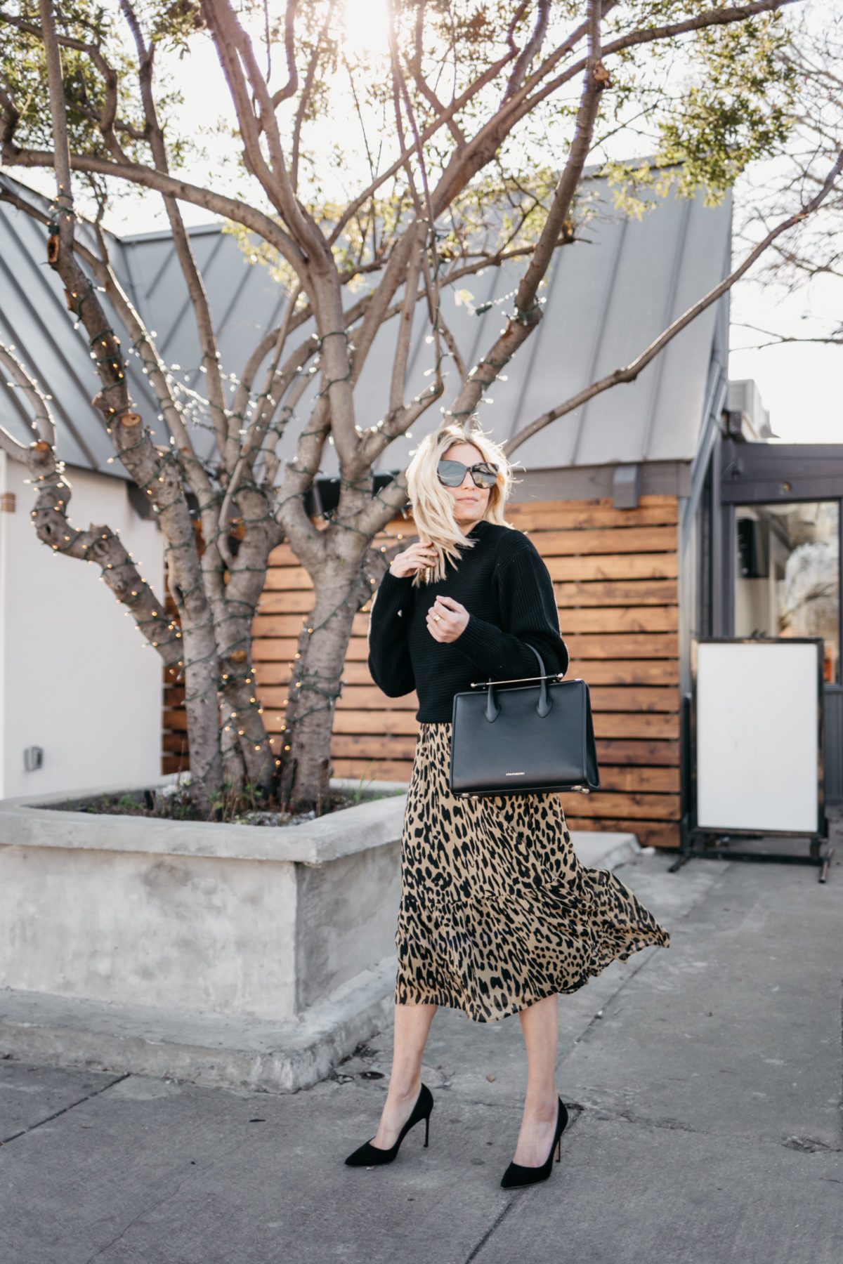 WAYS TO WEAR A LEOPARD DRESS AT WORK