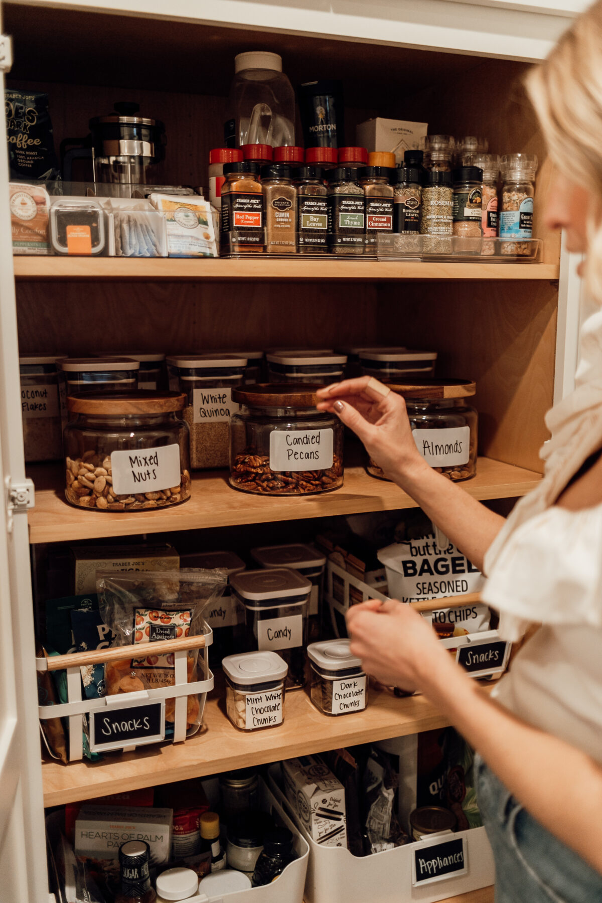 tips and tricks to organize your pantry